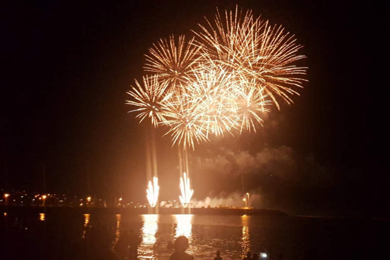 feu-artifice-saint-pierre-a-la-reunion-nouvel-an-2017